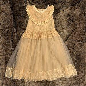 Trish Scully size 7 cream dress